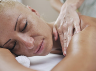 How Massage Therapy Works on Tight Muscles