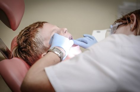 How To Keep Your Dental Health Intact Using Simple Tips