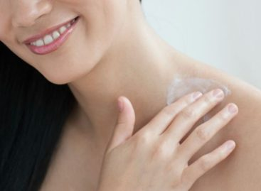 Some of the Benefits of Using a Neck Cream