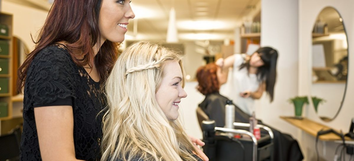 How to Choose the Best Men's Hair Salon