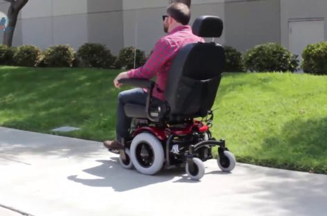 What Makes a Bariatric Wheelchair Different From a Standard Wheelchair?